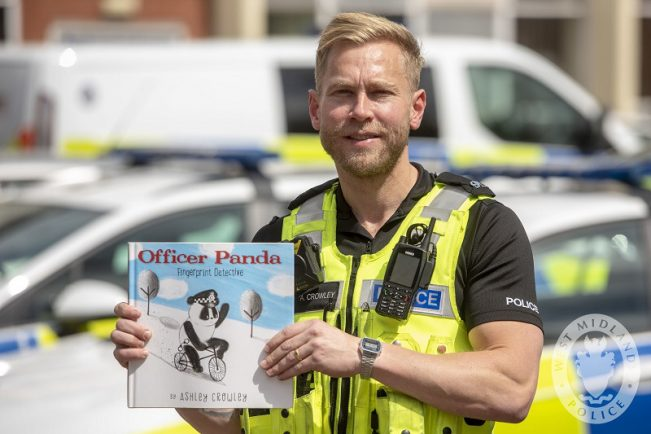 dating a police officer book